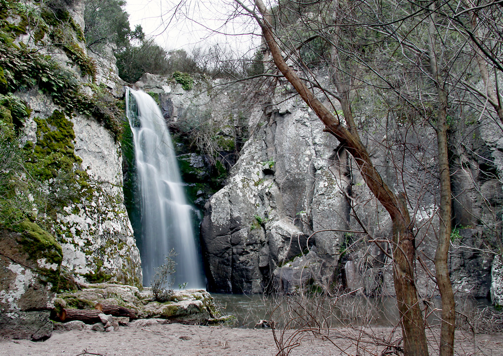 Man'-Katsa Waterfall © Lesvos Calendars